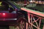 Un'auto si schianta vicino al ponte Ammiraglio a Palermo, quattro persone ferite - Video