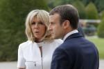"""Francia, Macron fa retromarcia sullo """"status"""" di Premièr Dame di Brigitte"""