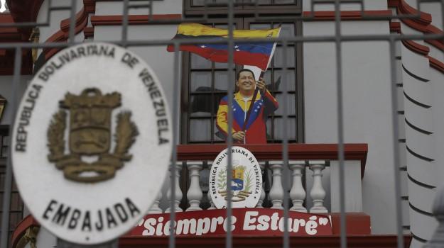 Violenze in Venezuela, Sicilia, Mondo