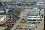 Linate e Malpensa, scioperano a sorpresa i lavoratori dei servizi a terra: ritardi dei voli fino a un'ora