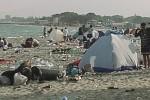 """La spiaggia di Marausa """"devastata"""" dopo San Lorenzo: è polemica"""