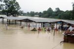 Inondazioni in Nepal, almeno 30 morti: molti italiani bloccati e in pericolo