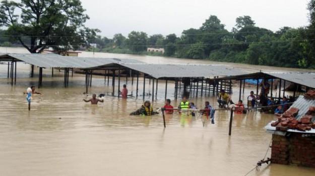 Inondazioni in Nepal, Sicilia, Mondo