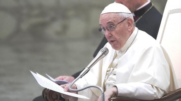 pedofilia, Papa Francesco, Sicilia, Cronaca