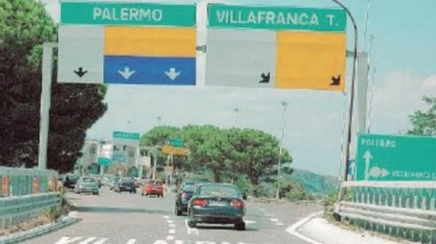 Pedaggio a Villafranca, Messina, Economia