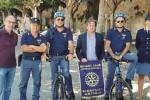 """Poliziotti di quartiere in bicicletta per """"sorvegliare"""" Ortigia"""