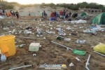 Dopo il Ferragosto la spiaggia di San Leone è una montagna di rifiuti