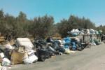 Periferie di Trapani invase dai rifiuti, cumuli accatastati lungo le strade