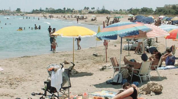 furto spiaggia, Siracusa, Cronaca