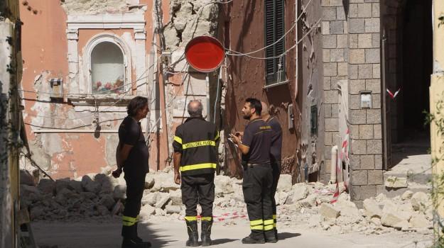 terremoto ischia, Sicilia, Cronaca