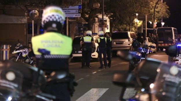 attentato barcellona, Isis, terrorismo, terroristi uccisi cambrils, Sicilia, Mondo
