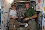 Il saluto di Nespoli all'astronauta dei record Peggy Whitson