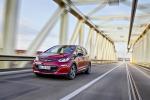 Opel, 750 km percorsi con una ricarica a bordo di Ampera-e