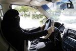 Svolta in Arabia Saudita, le donne potranno guidare