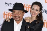 Angelina Jolie post-divorzio: raggiante e felice /VIDEO