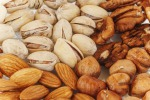 Frutta secca anti-obesità, si a noci, mandorle e pistacchi