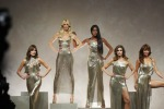 Naomi e le altre, tornano le top anni '90 in omaggio a Versace