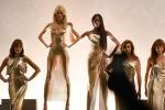 Omaggio a Versace e Donatella chiama le top anni '90 in passerella