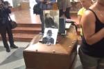 Burruano, l'ultimo addio di Palermo: chiesa gremita nel giorno dei funerali - Video