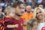 """Ilary Blasi e l'addio al calcio giocato di Totti: """"Non ho pianto, volevo essere il suo punto fermo"""""""