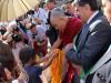 """Il Dalai Lama premiato a Messina: """"Promuovo la felicità e l'armonia tra religioni"""""""