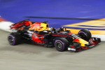 A Singapore domina Ricciardo, Ferrari col fiatone