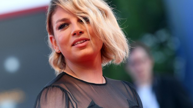 capitana arrestata, migranti, Sea Watch, Carola Rackete, Emma Marrone, Sicilia, Società