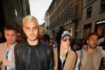 Chioma biondo platino, Mauro Icardi sfoggia un nuovo look