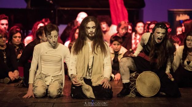 teatro degli esoscheleteri messina, Messina, Cultura
