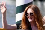 Mostra del Cinema, Julianne Moore super star a Venezia: a lei il premio Franca Sozzani