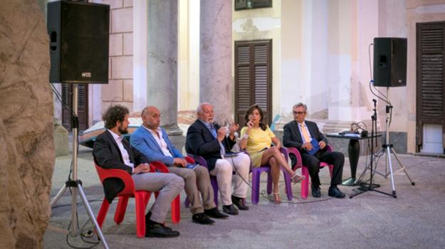 la camera delle meraviglie, presentazione libro, Palermo, Cultura