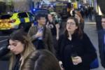 Londra ripiomba nella paura, il panico dopo l'esplosione in metro: tutte le foto