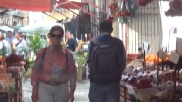 """""""Da Capo a Capo"""", percorso artistico tra le vie del mercato"""