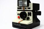 A 80 anni dalla nascita, torna la Polaroid e rilancia la foto analogica istantanea