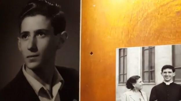 Omaggio a padre Puglisi, le immagini della mostra a Villa Niscemi