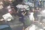 Calci e pugni fra ristoratori: il video della rissa a Taormina