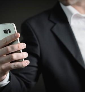 Il virus ora viaggia sul Bluetooth: per gli iPhone pericolo BlueBorne