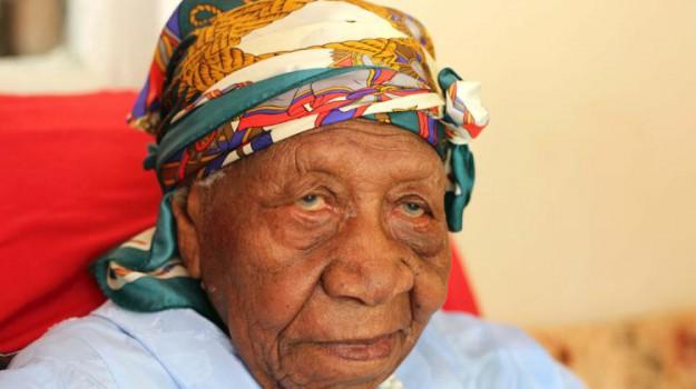 guinnes dei primati, morta donna più vecchia del mondo, persona più vecchia del mondo, Nabi Tajima, Violet Brown, Sicilia, Mondo