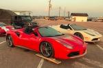 Dal fango del Texas spuntano fiammanti Ferrari alluvionate