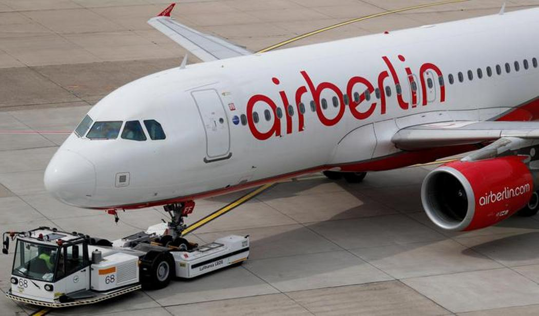 Air Berlin, rivolta piloti: 70 voli cancellati all'improvviso