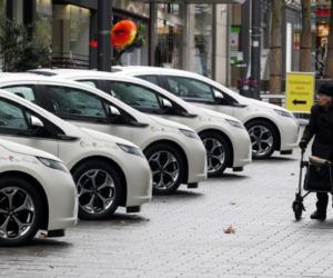 Car sharing, per ogni auto in Italia si perdono 4.700 euro