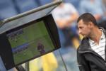 Calcio, dall'Uefa sì alla quarta sostituzione. Chiusura, invece, per il Var