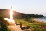 La Corea del Nord lancia un missile balistico, sale la tensione