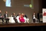 Il Dalai Lama a Palermo, al Teatro Massimo l'abbraccio dei fedeli
