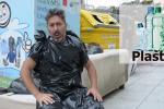 """""""Differenziata al contrario"""", il video del comico Piazza contro chi sporca Palermo"""