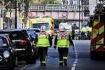 """Esplosione nella metro a Londra, molti feriti con volto bruciato. Scotland Yard: """"È terrorismo"""""""