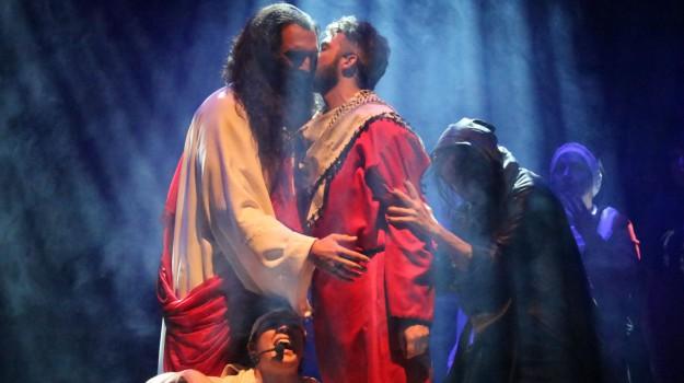"""Successo a Caltanissetta per il musical """"Ecce Homo"""", prossima tappa a Delia"""