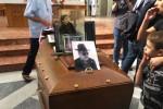"""L'addio della città a Gigi Burruano, simbolo della """"palermitanitudine"""""""