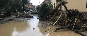 Nubifragio, frane e fango a Livorno: 6 morti e 2 dispersi, famiglia distrutta