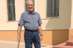Scuola sporca a Castelvetrano, nessuno interviene: ci pensa nonno Nino